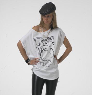 Διαγωνισμος με δωρο επωνυμα T-shirt απο το Oh so Chic